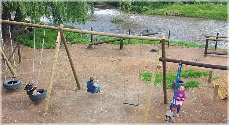 Kids in playpark at De Oude Meul Restaurant